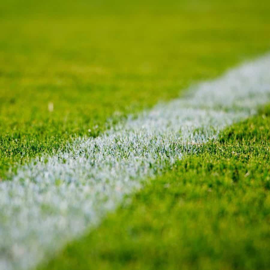 kunstgras-in-je-tuin-versus-kunstgras-op-een-voetbalveld