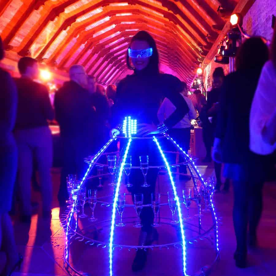 animation-futuriste-robe-champagne