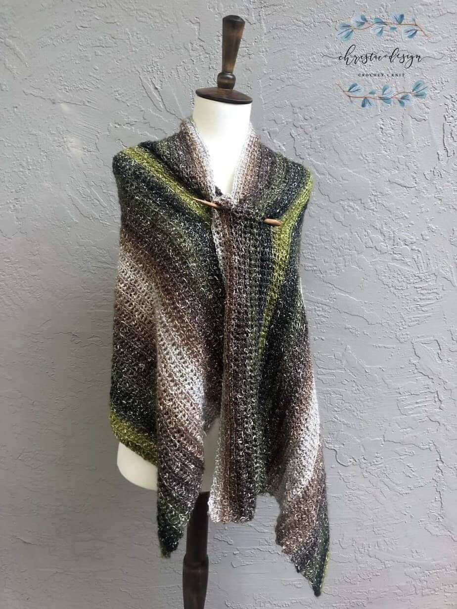 picture of crochet wrap with wood pin