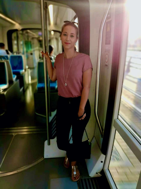 In der Dubai Tram
