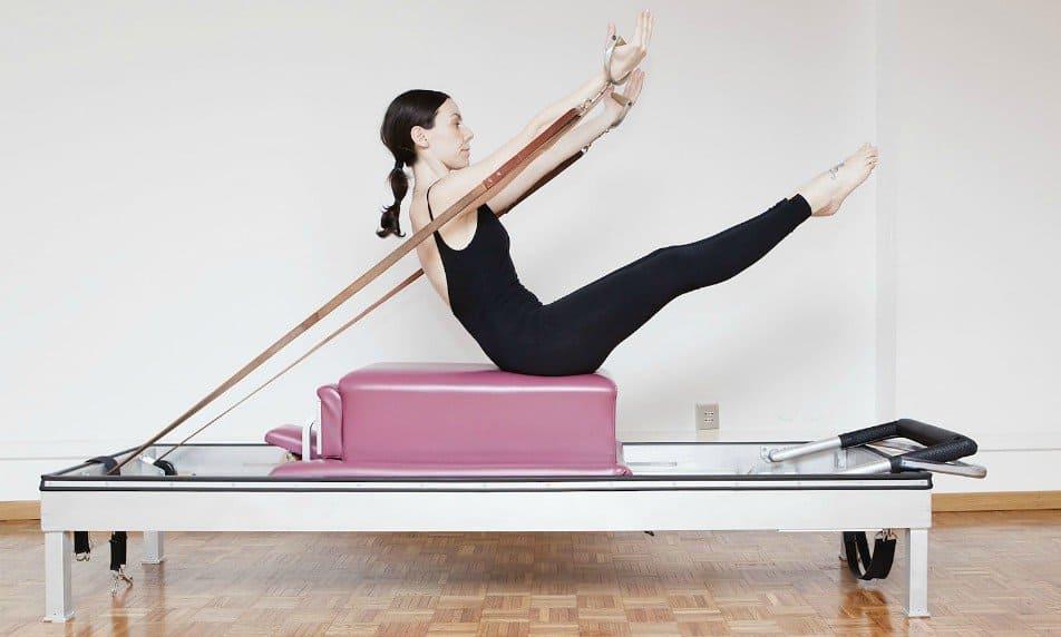Universal Reformer Pilates cos'è, come si pratica, i suoi benefici