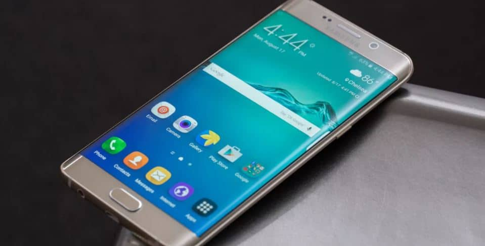 Galaxy S6 app won't play music in the background, screen