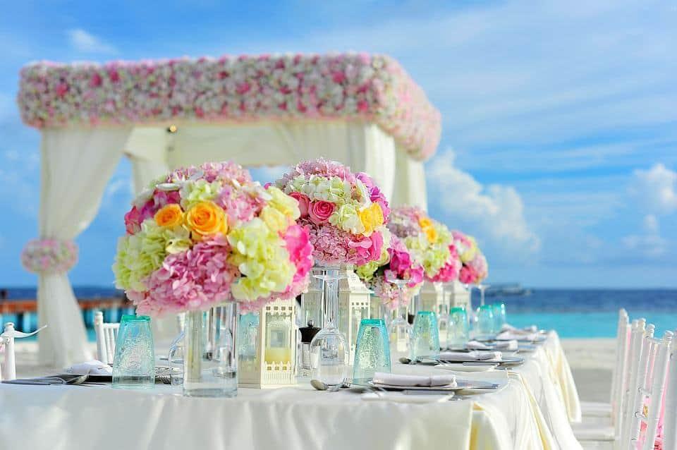 Interesting Greece facts: Greece weddings are rowdy