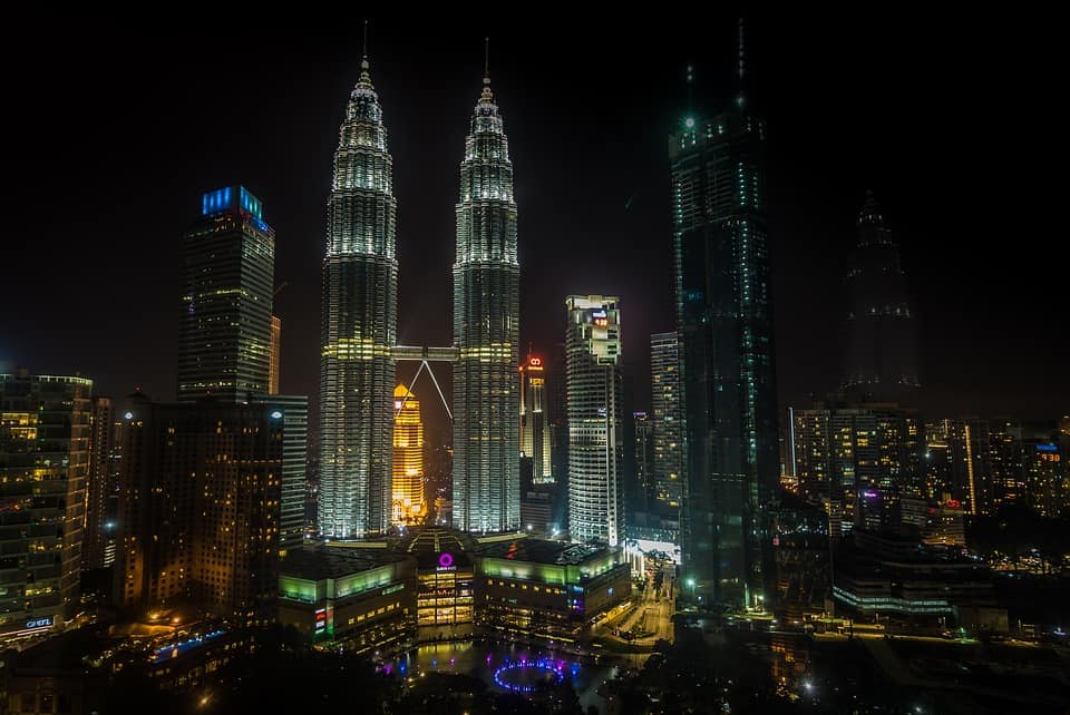 Petronas Towers Malaysia are the tallest twin towers