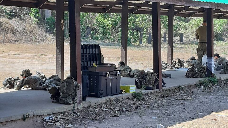 การฝึกยิงปืนในสนามทราบระยะ