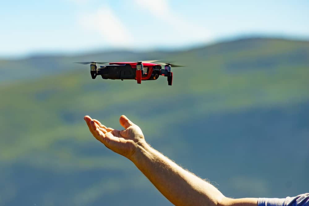 hand catch drone