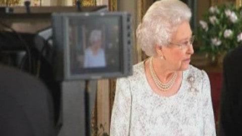 Папа Римский  и Королева говорят, что это может быть наше последнее Рождество