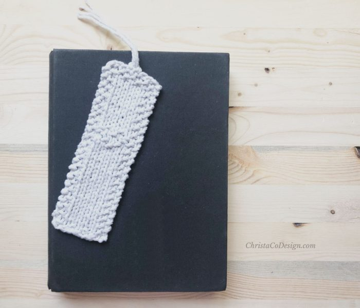 Bianca Bookmark a Free Beginner Knitting Pattern