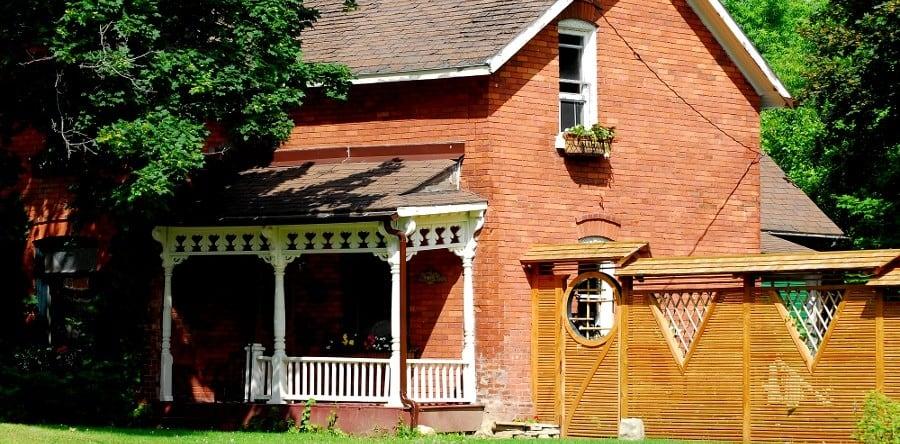 Страхование при оформлении ипотеки: причины недоверия заемщиков
