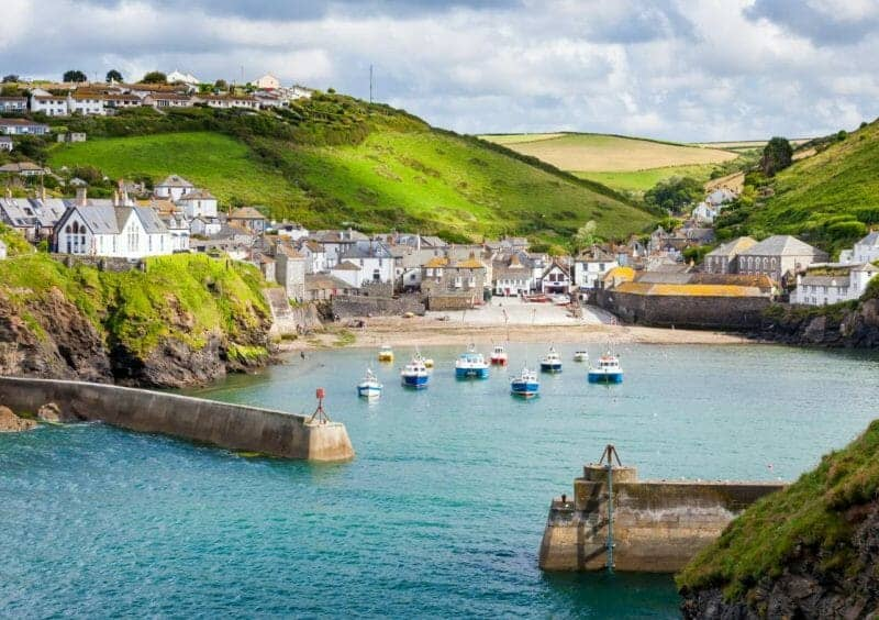 cornwall fishing village