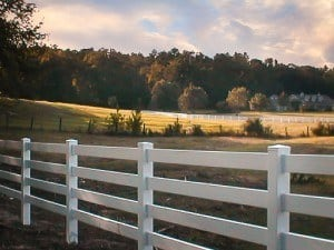 four rail vinyl fence