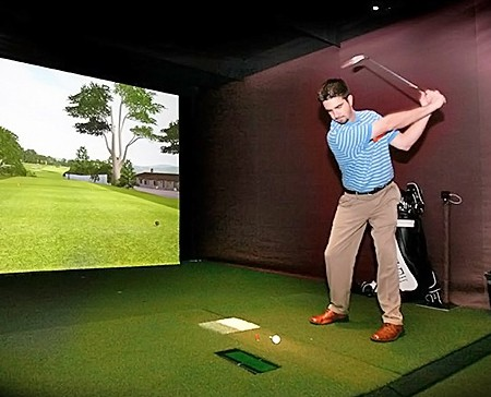 Golf simulator setup | indoor golf equipment