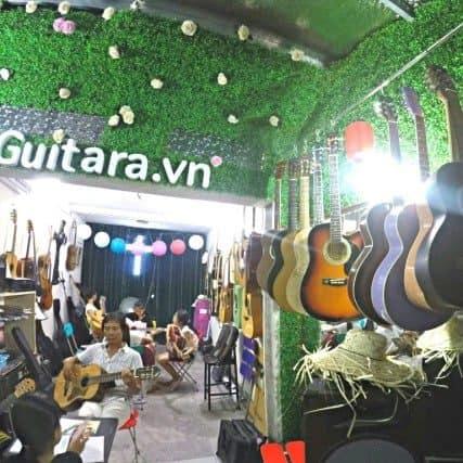 lop-hoc-dan-guitara-vn-long-bien