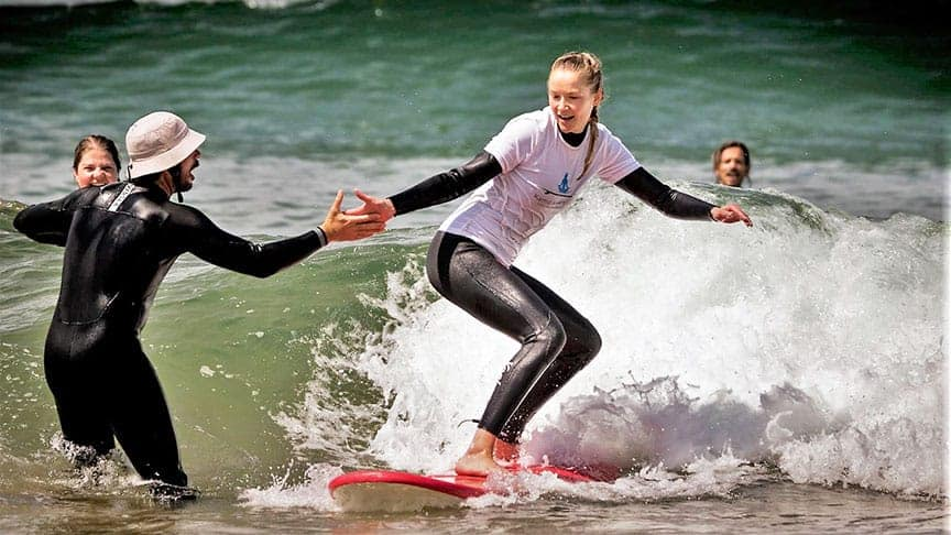 BOOK YOUR BEGINNER SURF LESSON NOW!