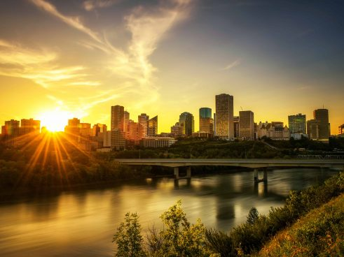 Edmonton Furnished Suites River Valley