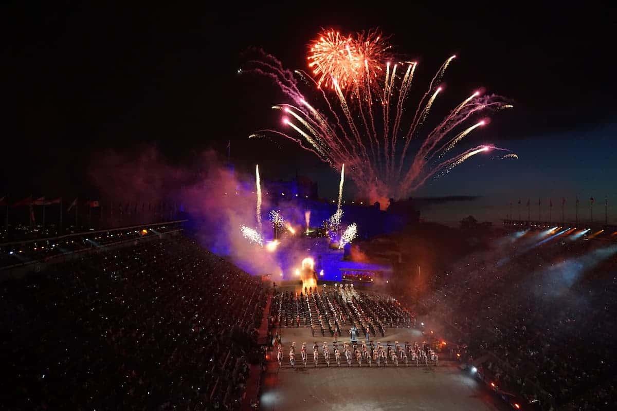 Fireworks at the Royal Edinburgh Military Tattoo (c) MakeTimeToSeeTheWorld