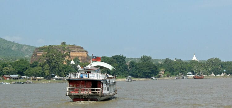 Up the Irrawaddy river to Mingun