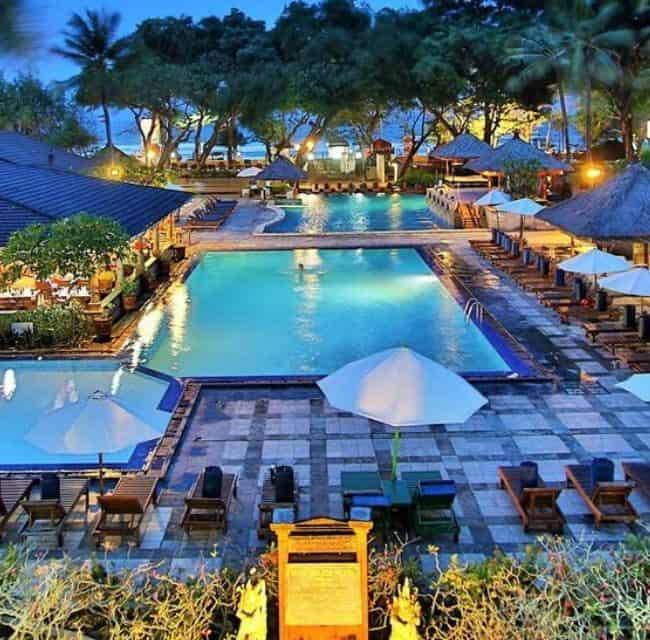 https://mediteranatour.ro/wp-content/uploads/2020/02/reprezentativa-hotel-jayakarta-hotel-bali-paste-2020-bali-early-booking-bali-last-minute-bali-2020-vacante-exotice-oferta-mediterana-tour-650x640.jpg
