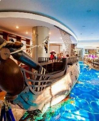 https://mediteranatour.ro/wp-content/uploads/2020/05/5-4-Pirates-Resort-Bicaz-3-din-Mamaia.-Cazare-oferte-si-recenzii-2020.jpg