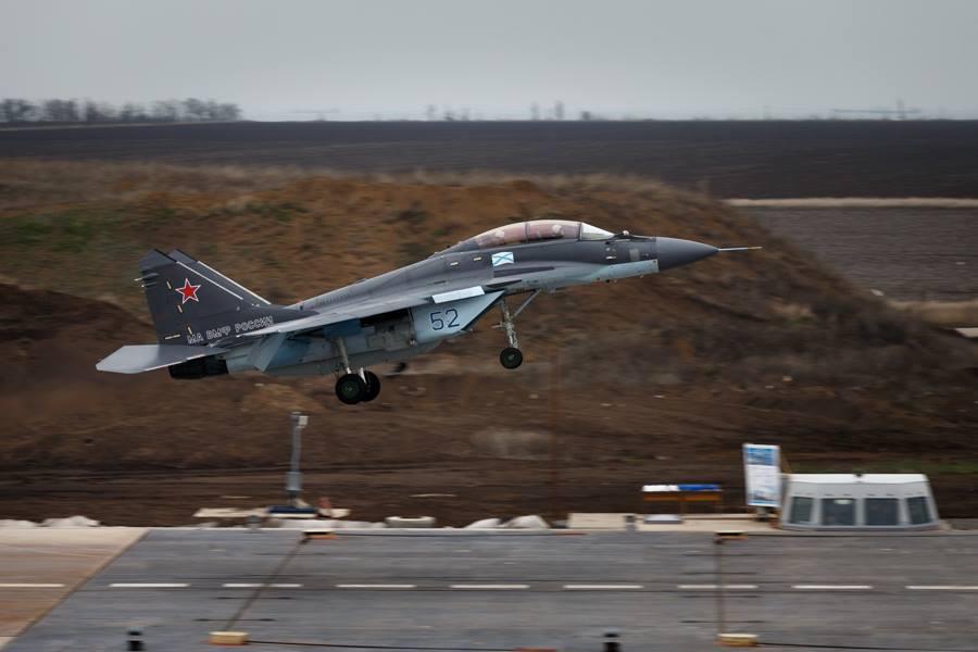 Окупанти перекинули до Криму авіаполк з Мурманську
