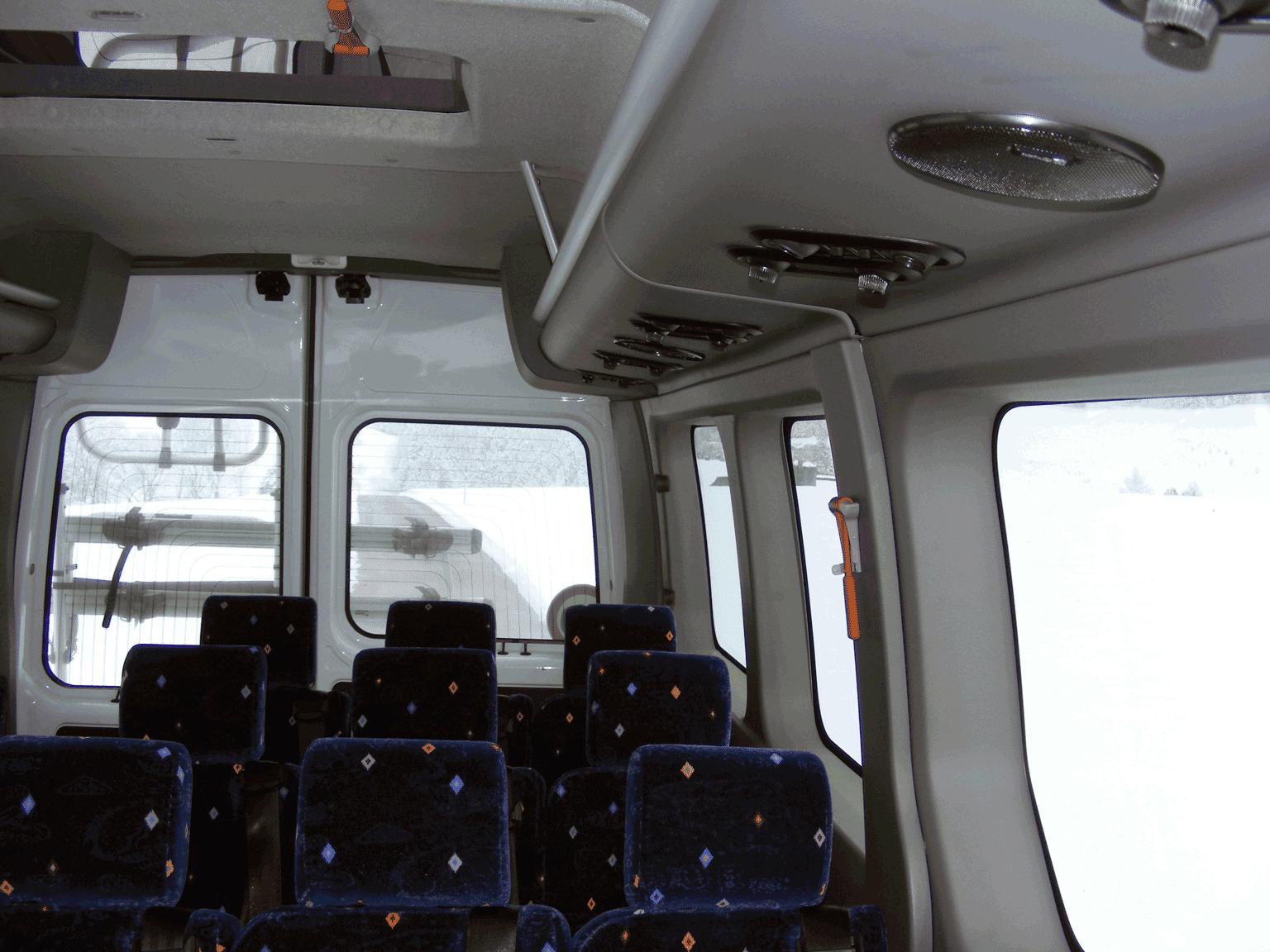 Bus Hutablage und Leselampen