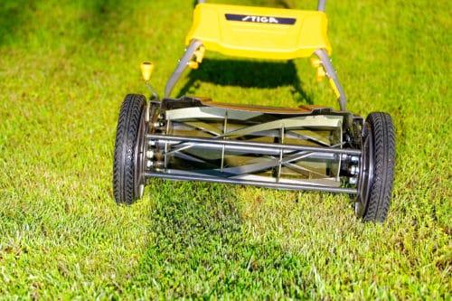 Stiga Spindelmäher SCM 440 FS im Test - Rasenmähen ohne Benzin und Strom