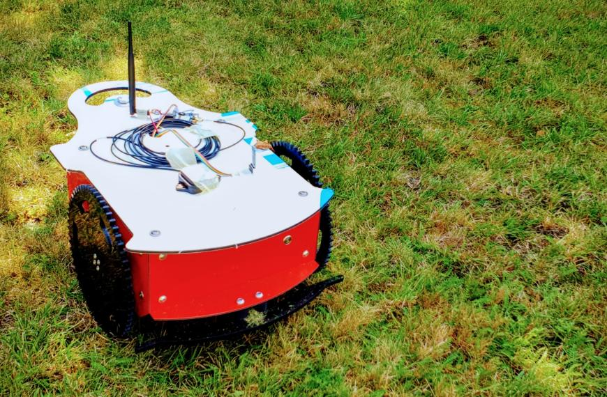 Mein ArduMower DIY-Mähroboter – er mäht!