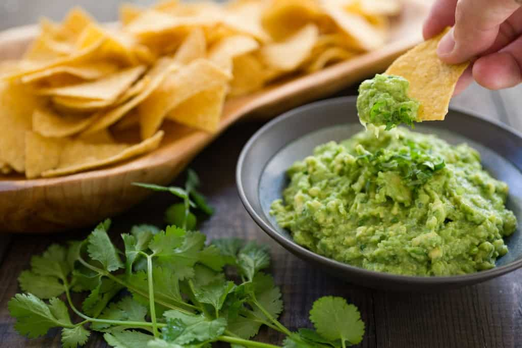 How to make the best Guacamole with only 5 ingredients.