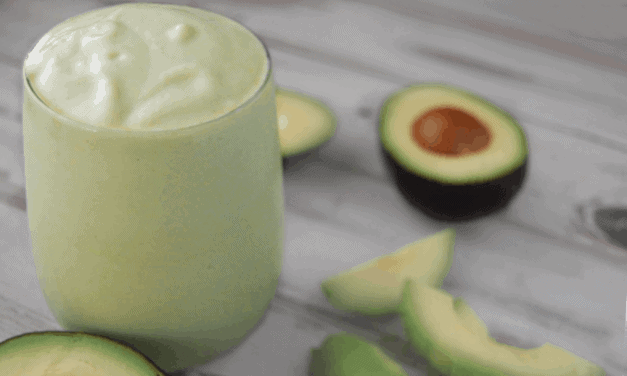 Refreshing Avocado Mint Smoothie