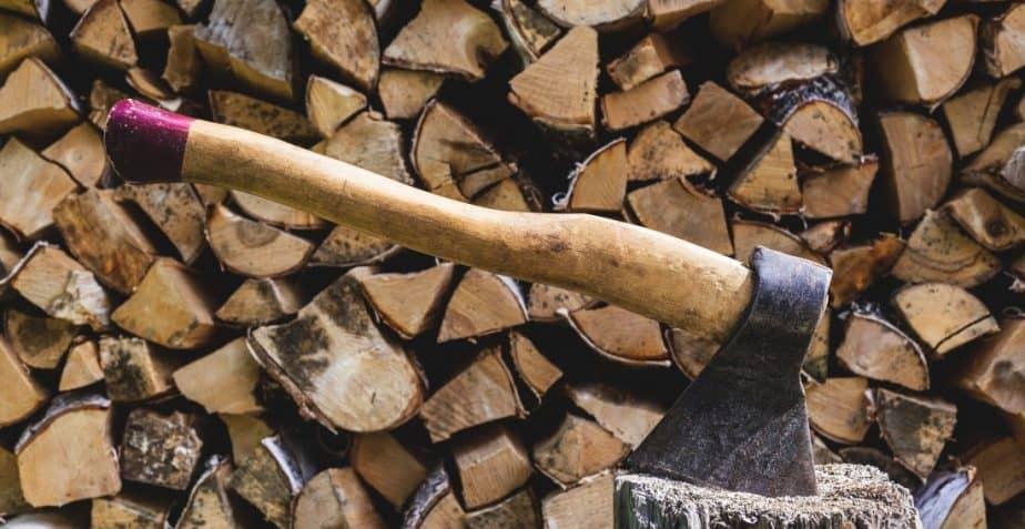 Ai un cazan pe lemne/ peleti? Injumatateste costurile inlocuindu-l cu o pompa de caldura MAXA