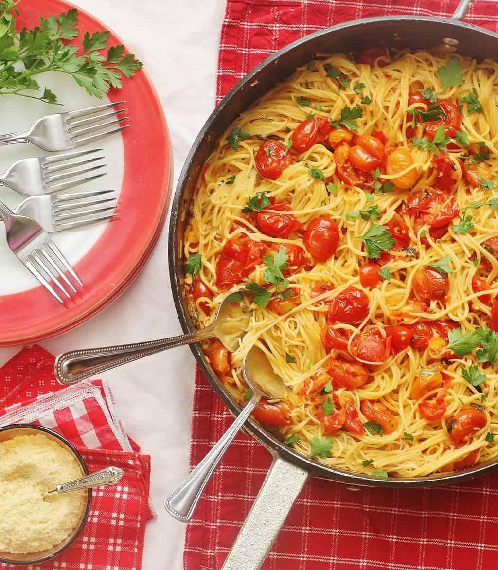 Summer Garden Tomato Sauce with Pasta