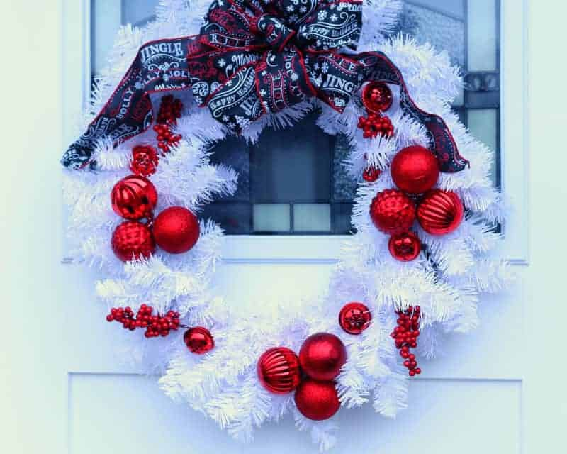 Red and White Christmas Wreath – Home for the Holidays
