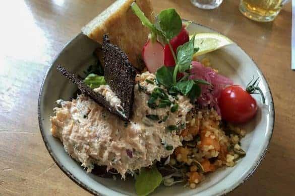 Weekendtur til Danmarks outdoor hovedstad. 5 ting å få med seg på en helgetur til Silkeborg. Spise i Silkeborg, Cafe Den Go'e Fe, Heksekost, økologisk
