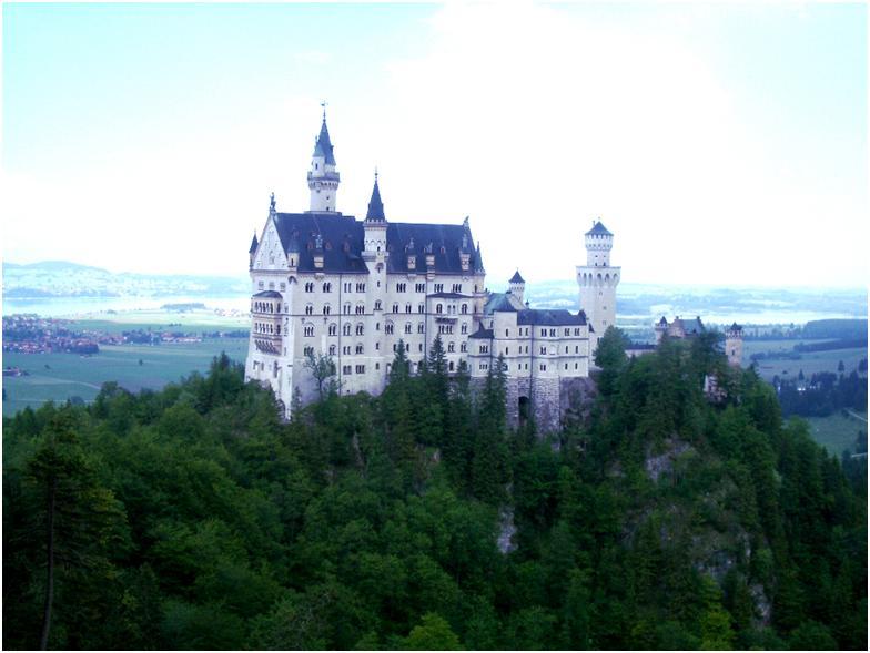 ノイシュヴァンシュタイン城 ビールの聖地ドイツのおとぎの城♪