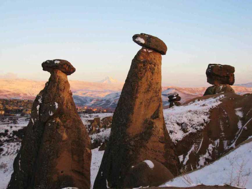 ギョレメ国立公園♪キノコ岩が織りなす美しいハーモニー♪