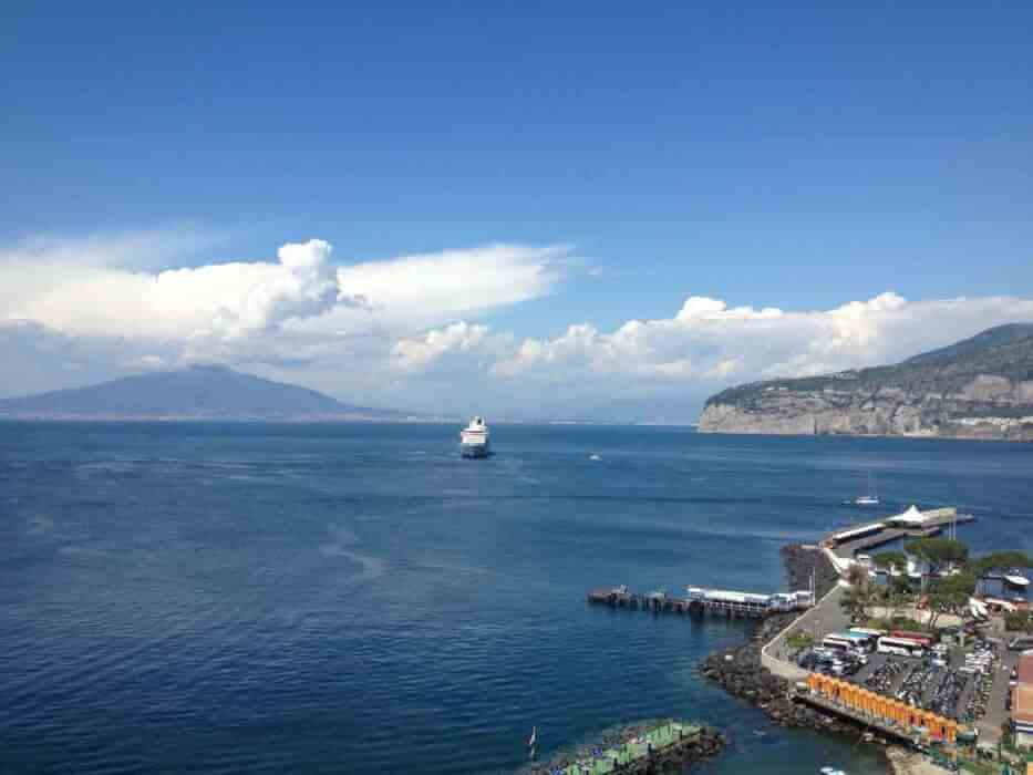 アマルフィで世界一美しい南イタリアの青い海と絶景に癒される♪