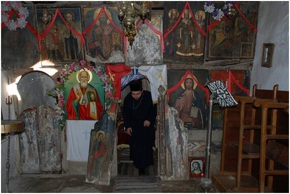 女人禁制の聖山、世界遺産アトス山(アトス自治修道士共和国)