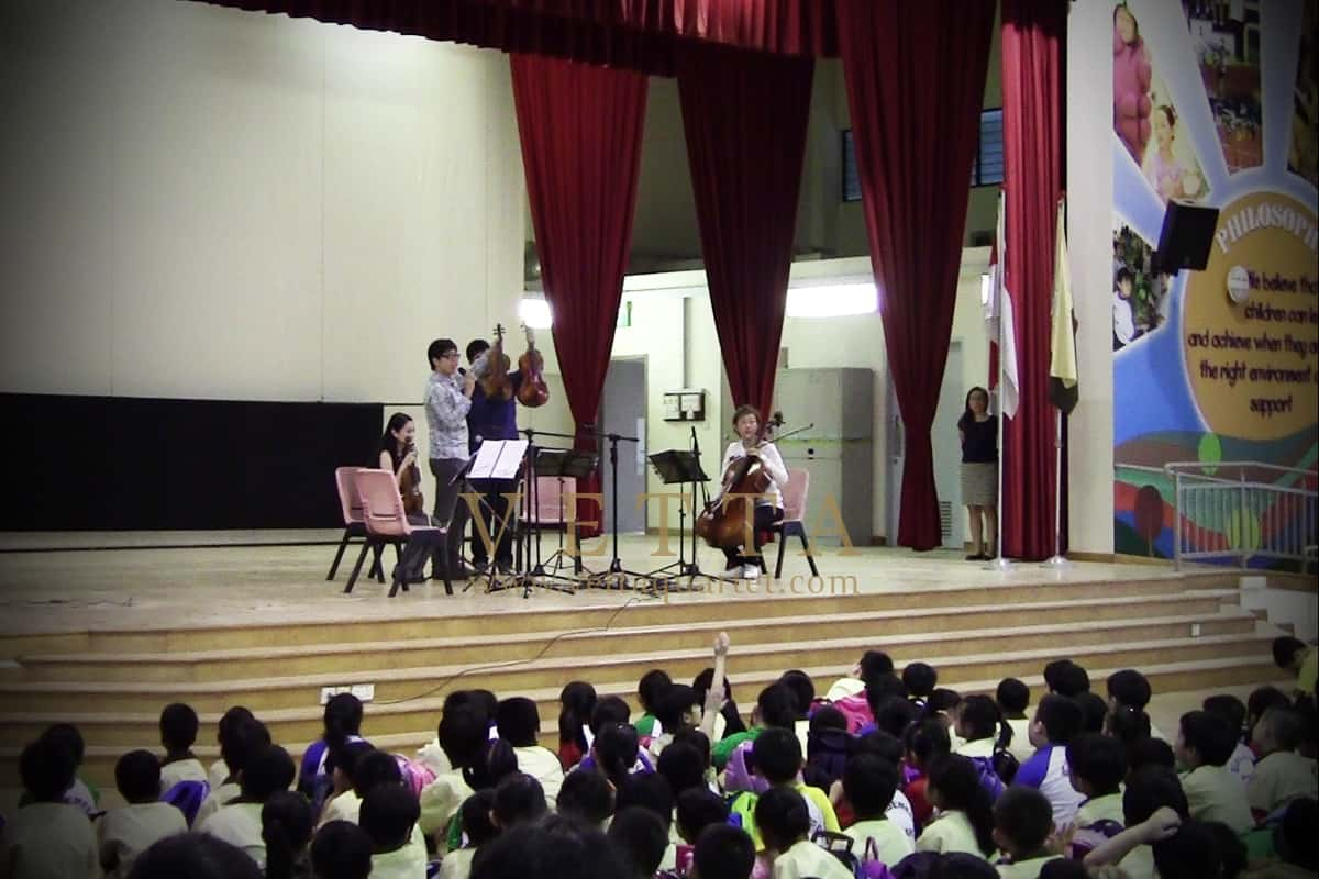 Educational Outreach at Bendemeer Primary School