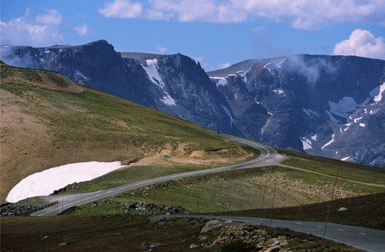 beartoothhwy_near_beartoothpass-9853396