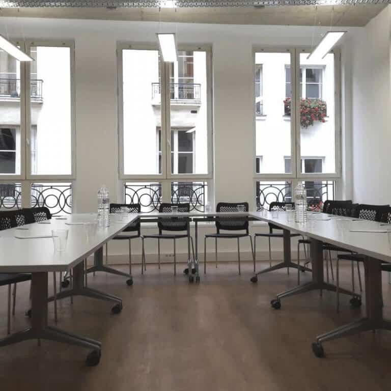 6 MEETING ROOMS