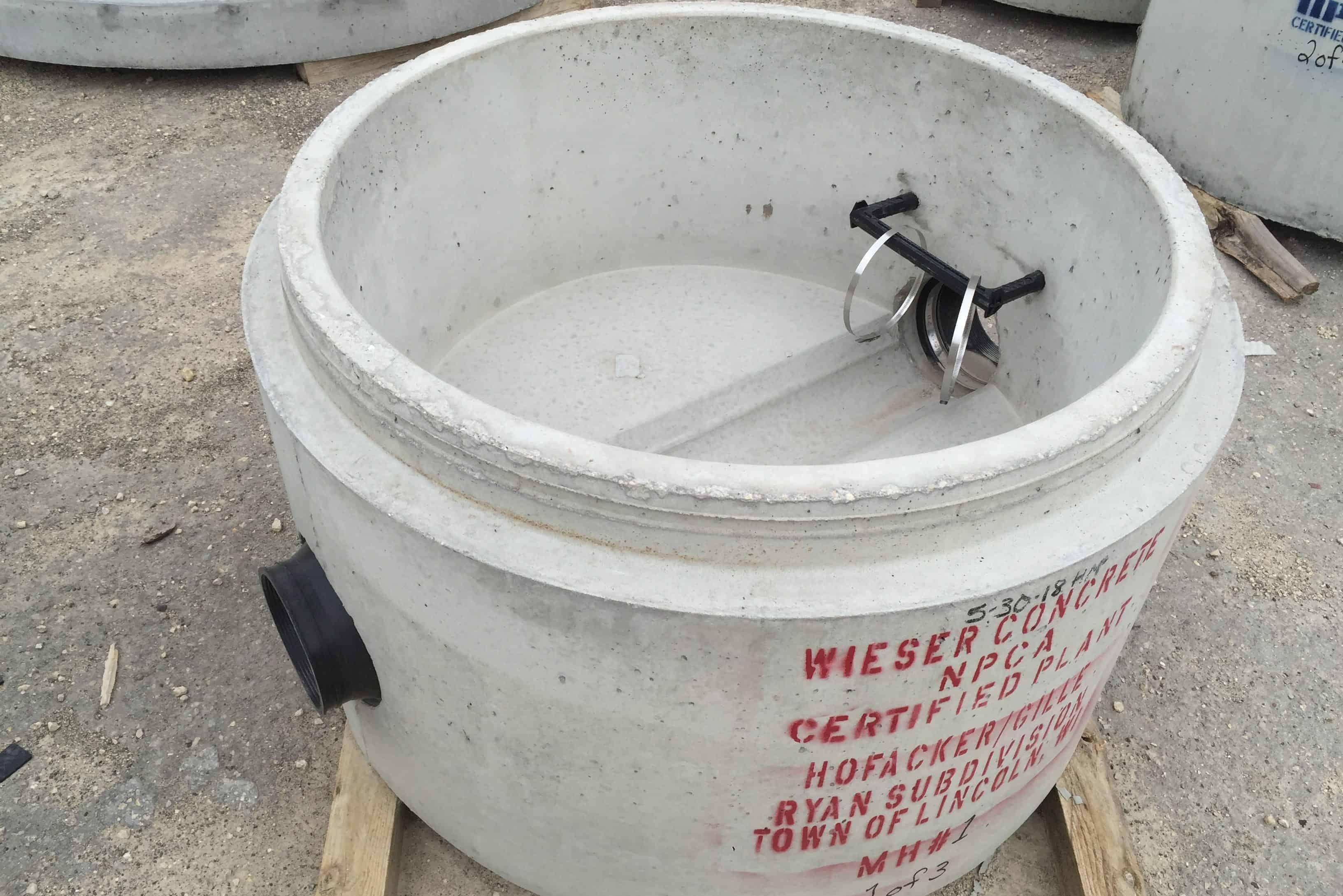 Precast Concrete Sanitary Manhole Flowline