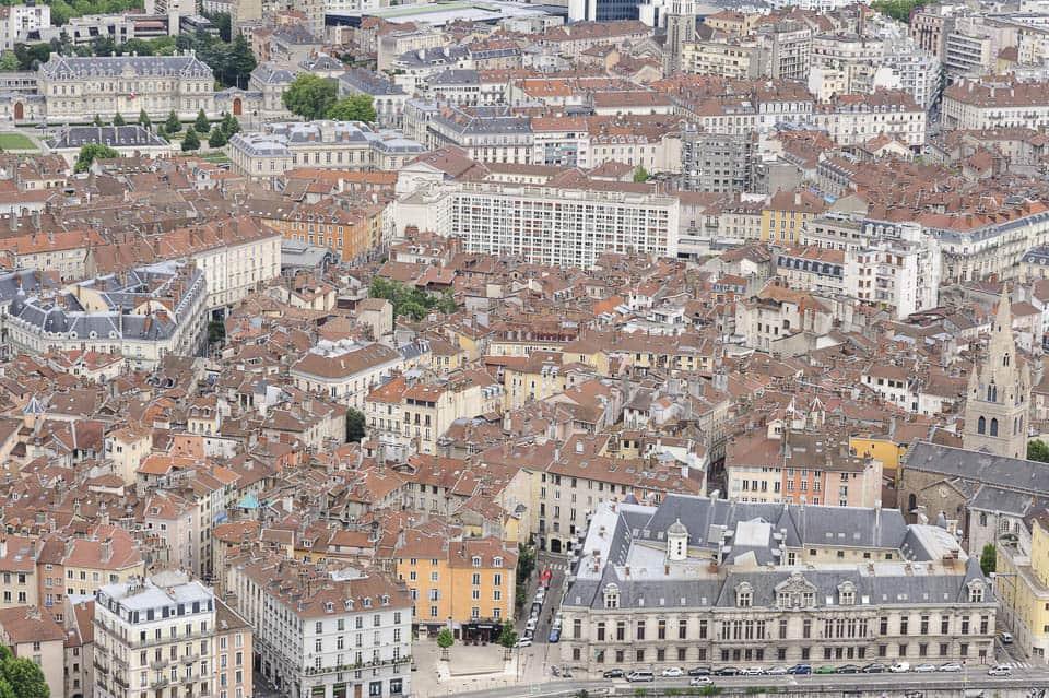 photo numérique nikon d700 vue de la Bastille sur centre historique de Grenoble