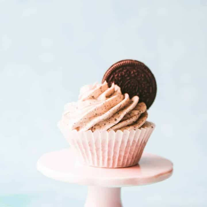 Chocolate Oreo Cupcakes with Oreo Buttercream Frosting