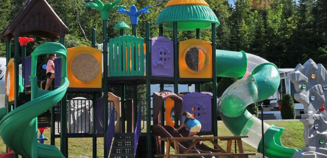 Modules and games for children, available at Camping Lac-Saint-Michel