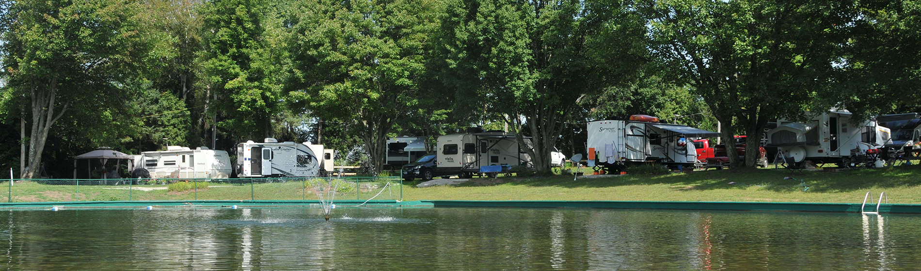 Réservez dans l'un des plus beau camping du Québec : Camping Lac-Saint-Michel