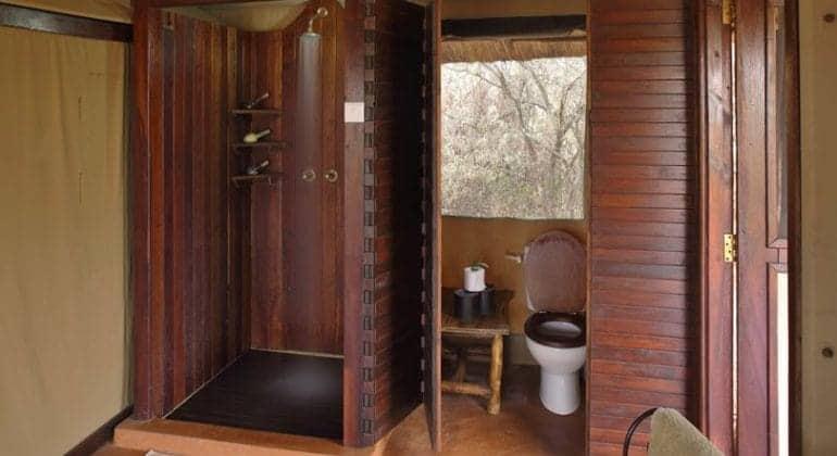 Oliver's Camp bathroom