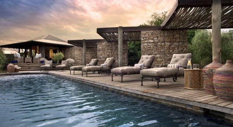 Ecca Lodge Poolside