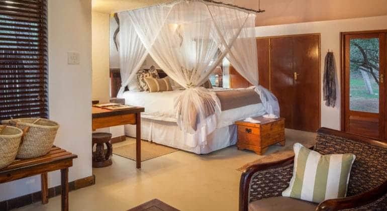 Serondela Lodge Bedroom