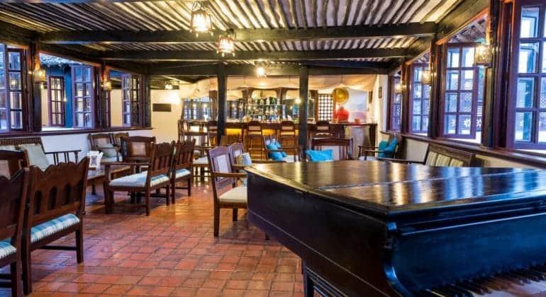 Serena Beach Resort And Spa Bar