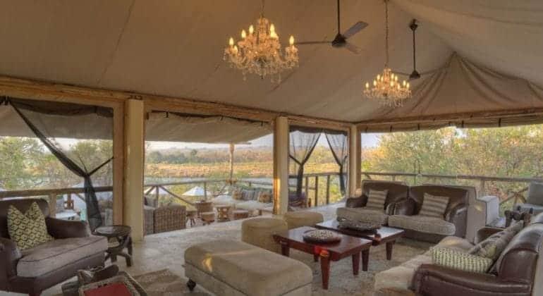 Azura Selous Lounge